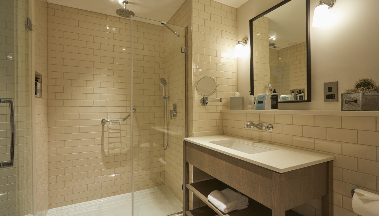 Medium double room bathroom with shower at riverside Hotel the Swan at Streatley